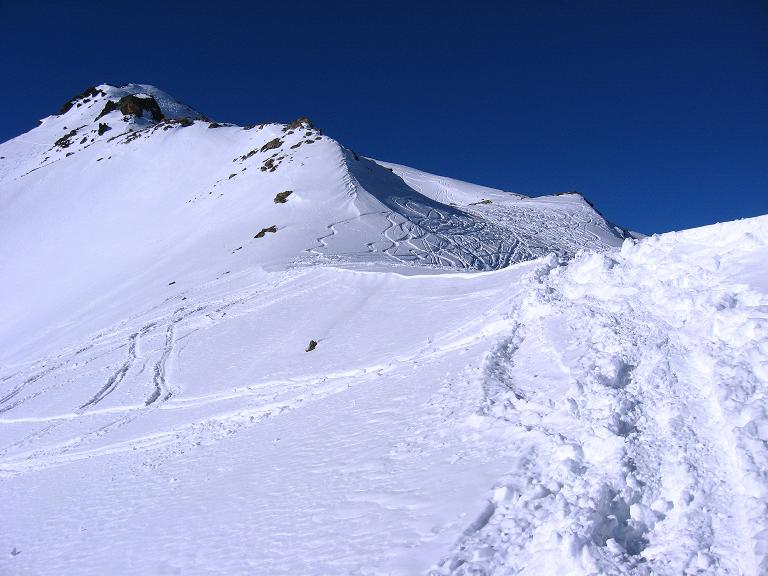Foto: Andreas Koller / Ski Tour / Gipfelrunde im Fimbertal (3009 m) / Gipfelaufbau der Larainfernerspitze / 19.02.2008 23:39:14