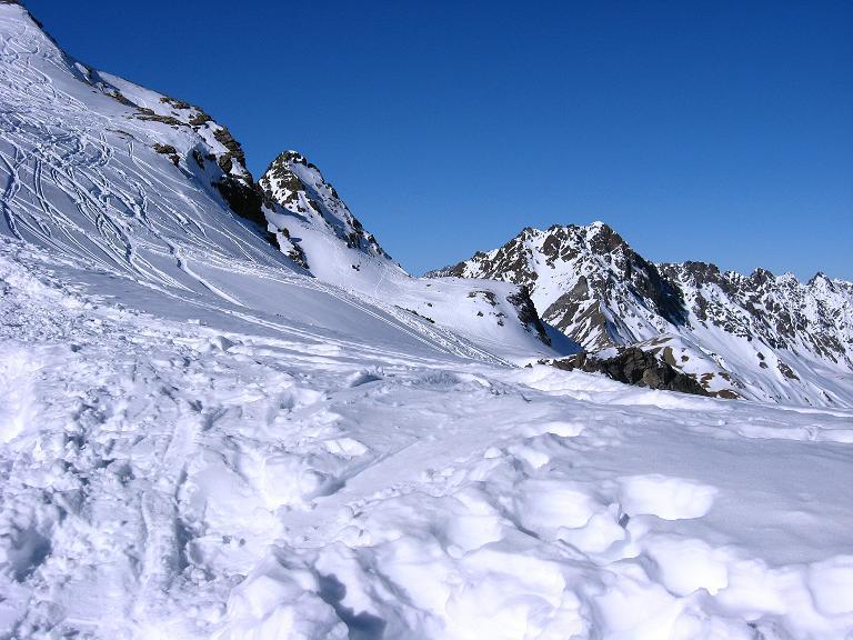 Foto: Andreas Koller / Ski Tour / Gipfelrunde im Fimbertal (3009 m) / Von der N-Grat-Schulter Blickt man zur Heidelberger Spitze (2963 m)  / 19.02.2008 23:38:54