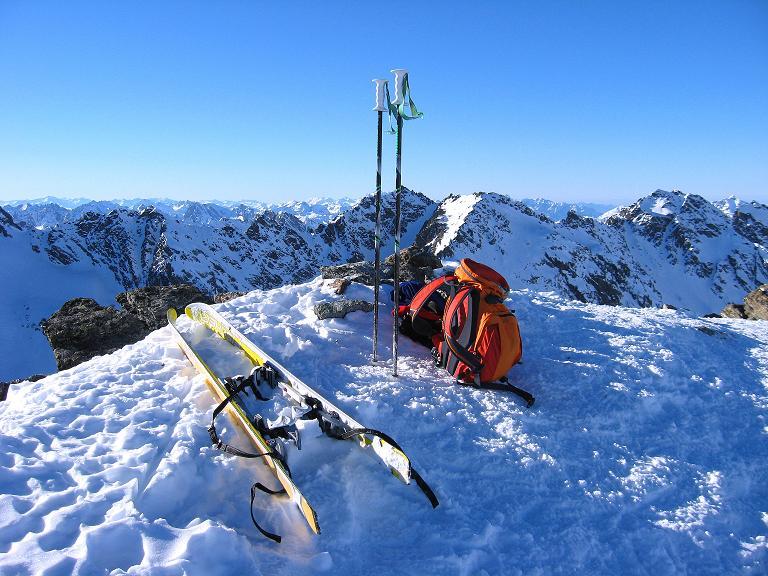 Foto: Andreas Koller / Ski Tour / Gipfelrunde im Fimbertal (3009 m) / Gipfel des Piz Larain mit Blick nach W / 19.02.2008 23:36:10