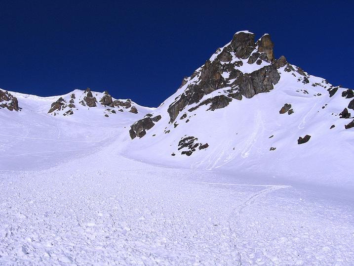 Foto: Andreas Koller / Ski Tour / Piz Minschun - Aussichtsloge hoch über dem Engadin (3068 m) / Über den Lawinenkegel erfolgt der Anstieg / 21.02.2008 20:08:34
