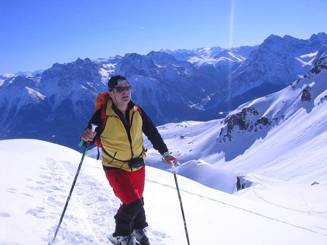 Foto: Andreas Koller / Ski Tour / Piz Minschun - Aussichtsloge hoch über dem Engadin (3068 m) / Im oberen Teil des Kars / 21.02.2008 20:06:42