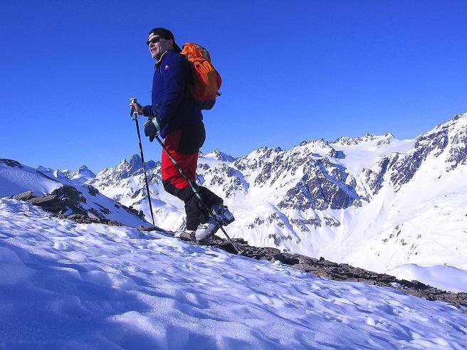 Foto: Andreas Koller / Ski Tour / Piz Minschun - Aussichtsloge hoch über dem Engadin (3068 m) / Am N-Rücken / 21.02.2008 20:02:01