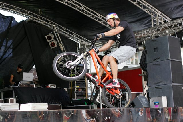 Foto: Romana Koeroesi / Mountainbike Tour / Bike Infection / Hillclimb / TRIAL Show Petr Kraus. Copyright by Erwin Haiden / 29.04.2008 12:03:56