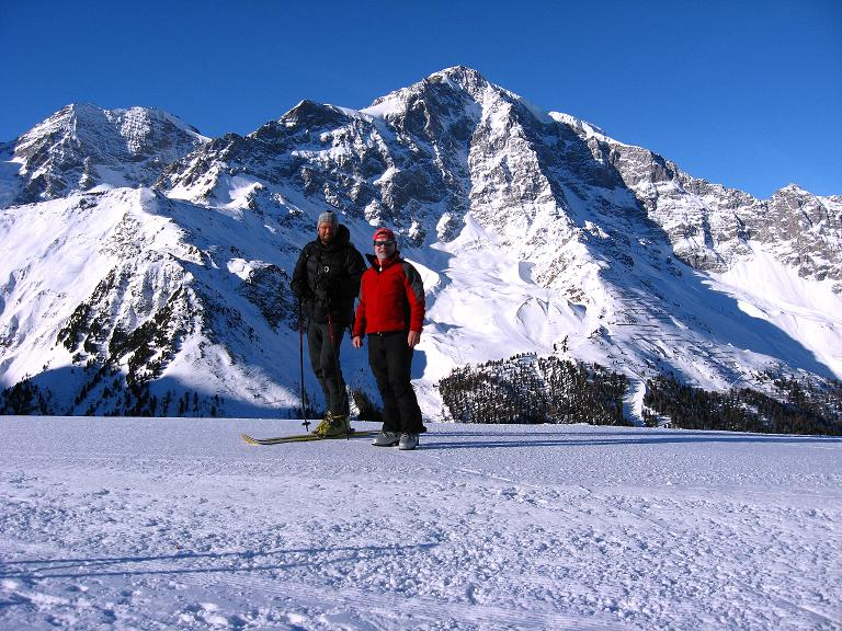 Foto: Andreas Koller / Ski Tour / Durch das Rosimtal auf die Schildspitze (3461m) / Prachtvoll zeigt sich von der Kanzel der Ortler (3905 m) / 22.02.2008 02:27:03