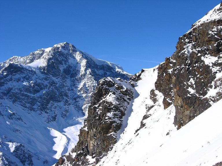 Foto: Andreas Koller / Ski Tour / Durch das Rosimtal auf die Schildspitze (3461m) / Blick aus dem Rosimtal auf den Ortler (3905 m) / 22.02.2008 02:24:10