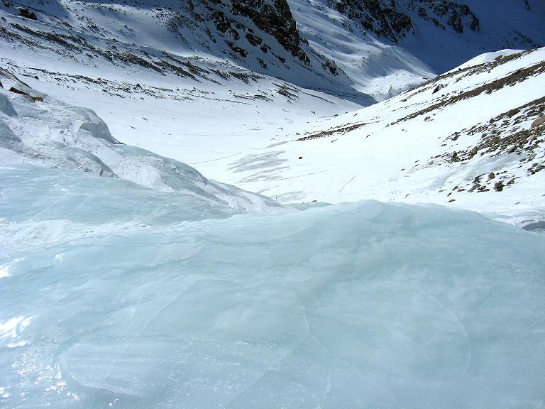 Foto: Andreas Koller / Ski Tour / Durch das Rosimtal auf die Schildspitze (3461m) / Über den Eiskaskaden im Rosimtal / 22.02.2008 02:22:50