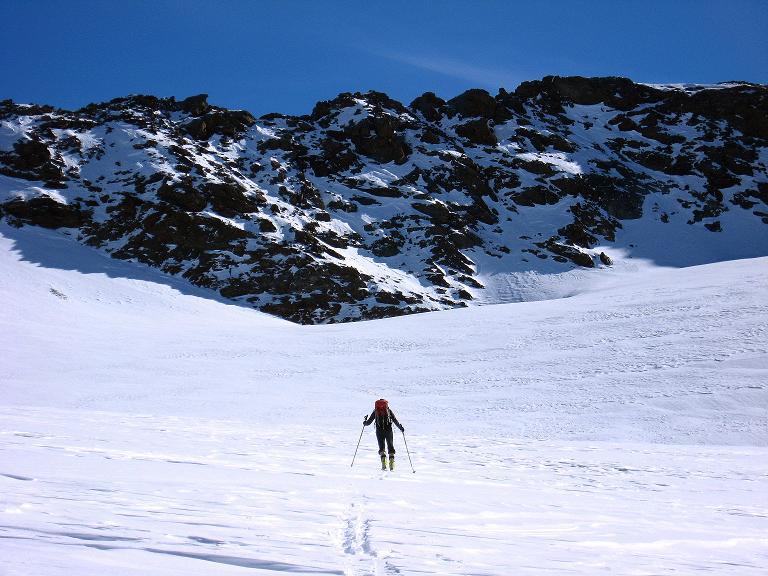 Foto: Andreas Koller / Ski Tour / Durch das Rosimtal auf die Schildspitze (3461m) / Im obersten Becken des Rosimferners / 22.02.2008 02:19:21