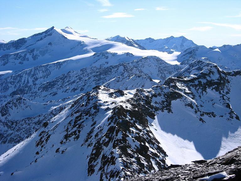 Foto: Andreas Koller / Ski Tour / Durch das Rosimtal auf die Schildspitze (3461m) / Blick nach S zu den Zufallspitzen (3757 m) und dem Cevedale (3769 m) / 22.02.2008 02:16:32