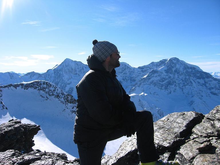 Foto: Andreas Koller / Ski Tour / Durch das Rosimtal auf die Schildspitze (3461m) / Das Panorama mit Königsspitze (3859 m) und Ortler (3905 m) genießen / 22.02.2008 02:14:17