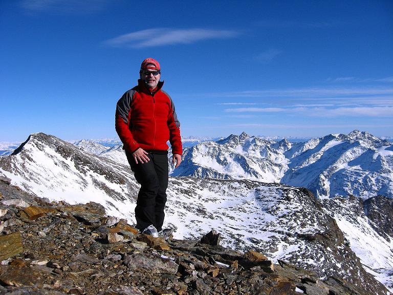 Foto: Andreas Koller / Ski Tour / Durch das Rosimtal auf die Schildspitze (3461m) / Auf der Schildspitze mit Blick gegen NO / 22.02.2008 02:13:34