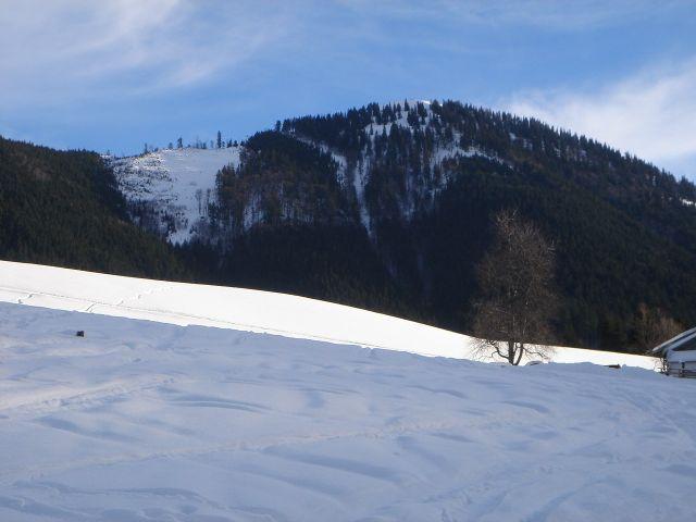 Foto: Manfred Karl / Ski Tour / Faistenauer Schafberg (1559m) / Beim Döllerer - im Hintergrund die Nordwestrinne des Schafberges / 22.02.2008 16:13:37