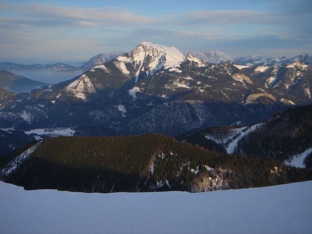 Foto: Manfred Karl / Ski Tour / Faistenauer Schafberg (1559m) / Blick zum anderen (St. Wolfganger) Schafberg / 22.02.2008 16:08:42