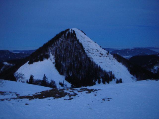 Foto: Manfred Karl / Ski Tour / Faistenauer Schafberg (1559m) / Dämmerung auf der Loibersbacher Höhe, Blick gegen den Schafberg / 22.02.2008 16:07:34