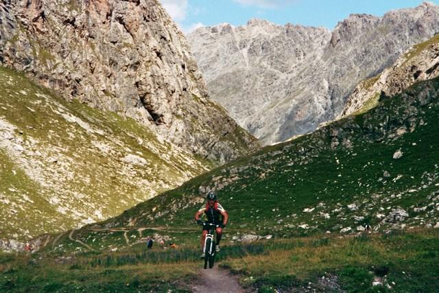 Foto: Jürgen Lindlbauer / Mountainbike Tour / Nauders-SurEn-Val d´Unia Schlucht-Sesvennahütte-Reschensee / Auffahrt zum Schlinigpass / 24.02.2008 19:44:23
