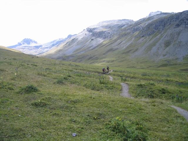 Foto: Jürgen Lindlbauer / Mountainbike Tour / Nauders-SurEn-Val d´Unia Schlucht-Sesvennahütte-Reschensee / Auffahrt zum Schlinigpass / 24.02.2008 19:43:56