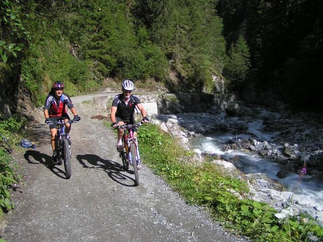 Foto: Jürgen Lindlbauer / Mountainbike Tour / Nauders-SurEn-Val d´Unia Schlucht-Sesvennahütte-Reschensee / 24.02.2008 19:55:05