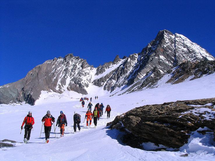 Foto: Andreas Koller / Ski Tour / Im Banne des Großglockners auf den Teufelskamp (3511m) / Eisausbildung am Großglockner (3798 m) / 26.02.2008 21:30:32