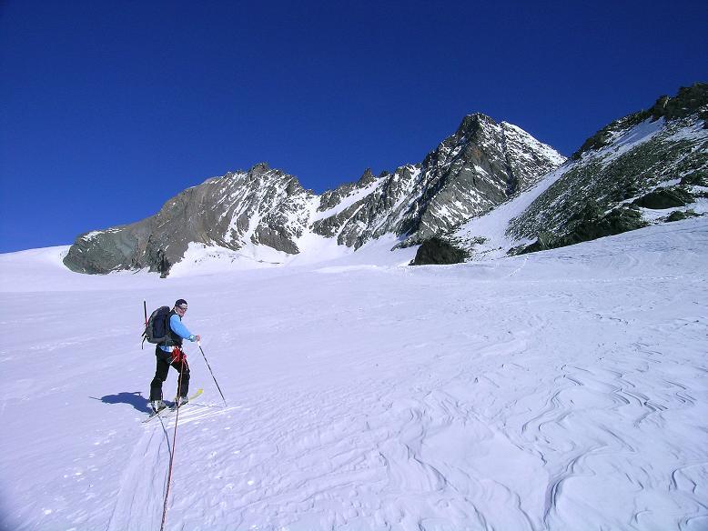 Foto: Andreas Koller / Ski Tour / Im Banne des Großglockners auf den Teufelskamp (3511m) / Aufstieg am Teischnitzkees mit Blick auf Glocknerwand (3722 m) und Großglockner (3798 m) / 26.02.2008 21:29:48
