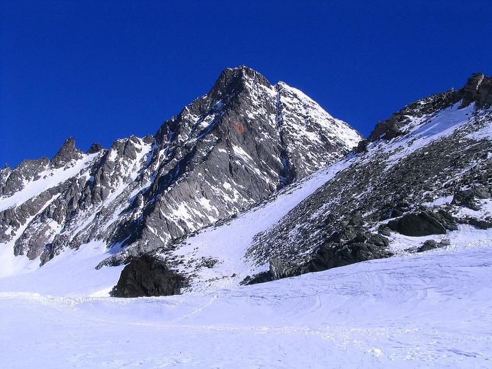 Foto: Andreas Koller / Ski Tour / Im Banne des Großglockners auf den Teufelskamp (3511m) / Der Großglockner (3798 m) mit dem Stüdlgrat / 26.02.2008 21:28:52