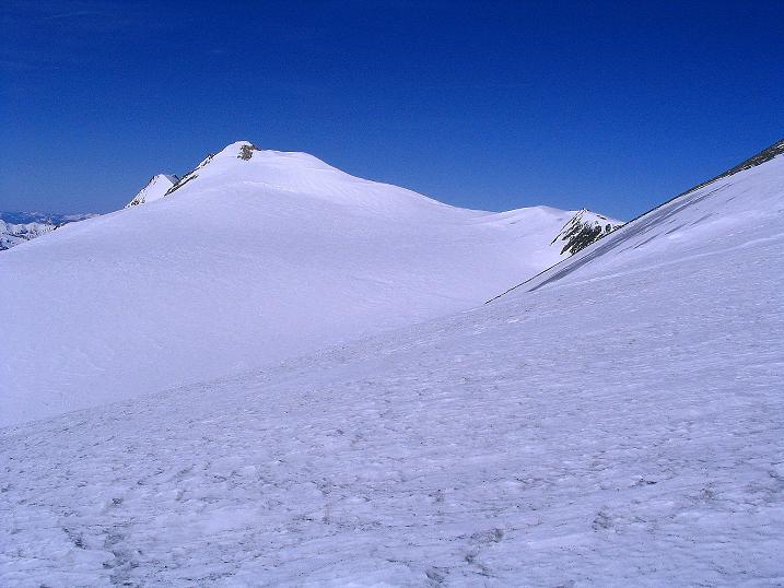 Foto: Andreas Koller / Ski Tour / Im Banne des Großglockners auf den Teufelskamp (3511m) / Aus der Flanke in den Schneesattel Blick zum Romariswandkopf (3511 m) / 26.02.2008 21:22:45