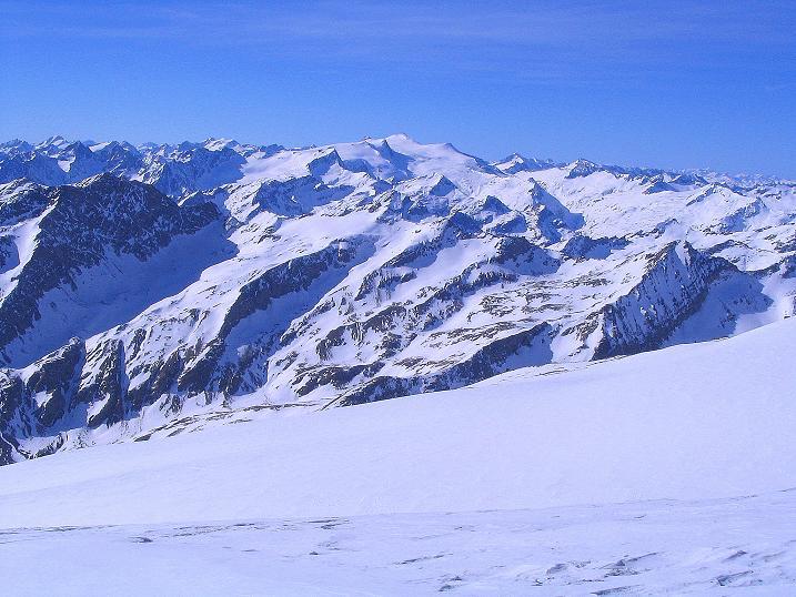 Foto: Andreas Koller / Ski Tour / Im Banne des Großglockners auf den Teufelskamp (3511m) / Blick vom Teufelskamp nach W auf den Großvenediger (3674 m) / 26.02.2008 21:22:13
