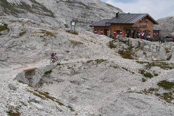 Foto: gkothi / Mountainbike Tour / 3 Zinnen Umrundung / büllelejochhütte / 28.02.2008 21:19:44
