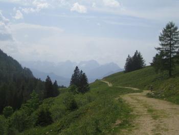 Foto: gkothi / Mountainbike Tour / Größtenberg-Alpstein-Predigtstuhl Umrundung / blick zurück zur hanslalm / 29.02.2008 20:22:40