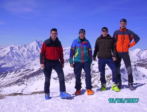 Foto: strassi21 / Ski Tour / Von Kolm Saigurn auf den Sonnblick / der Glockner, Werni, Werner, Kläuse, und ich  / 06.03.2008 13:57:19