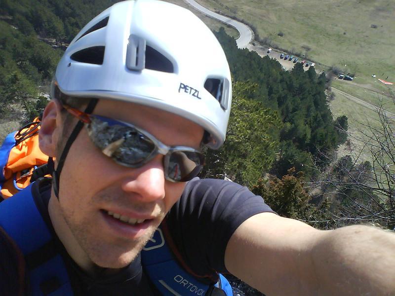 Foto: AbsolutAlpin.at / Klettersteig Tour / HTL - Steig / Selbstportrait kurz nach dem Steigbuch / 10.03.2008 14:50:29