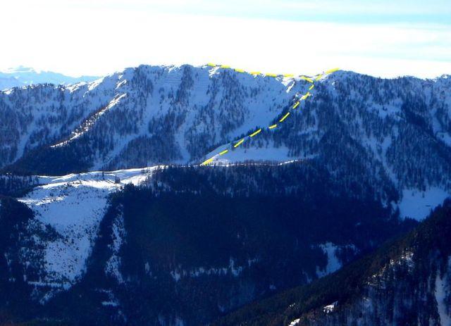 Foto: Manfred Karl / Ski Tour / Von St. Martin auf den Korein / Korein mit dem oberen Teil der Aufstiegs- und Abfahrtsroute / 14.03.2008 07:47:50