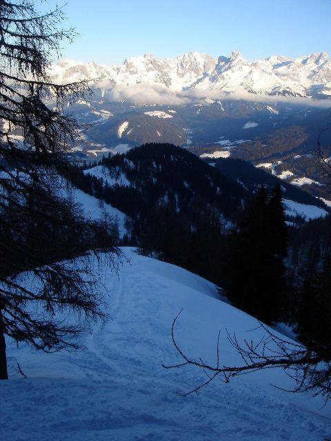 Foto: Manfred Karl / Ski Tour / Von St. Martin auf den Korein / Der Rücken, über den der Anstieg ab der Karalm verläuft / 14.03.2008 07:41:02