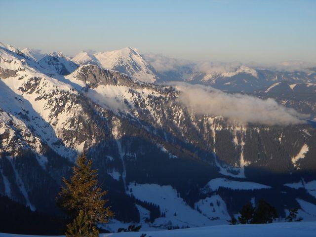 Foto: Manfred Karl / Ski Tour / Von St. Martin auf den Korein / Im Hintergrund Gamsfeld / 14.03.2008 07:30:47
