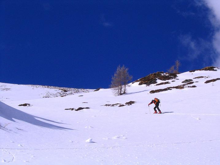 Foto: Andreas Koller / Ski Tour / Von der Turrach auf das Gregerlnock (2296m) / Bei der einzigen Engstelle (der Aufstiegshang wirkt hier viel zu flach) / 16.03.2008 16:36:21