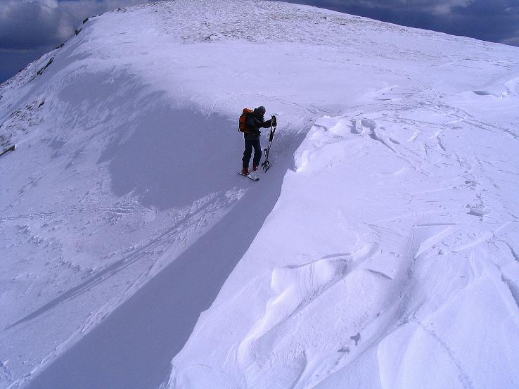 Foto: Andreas Koller / Ski Tour / Tour Goldhaube: Von der Weinebene auf die Koralpe (2140m) / Bei der Wechte auf den Speikkogel / 20.03.2008 03:13:11