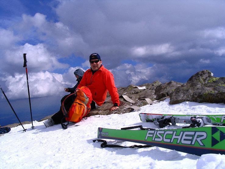 Foto: Andreas Koller / Ski Tour / Tour Goldhaube: Von der Weinebene auf die Koralpe (2140m) / Gipfelrast am Großen Speikkogel / 20.03.2008 03:10:00