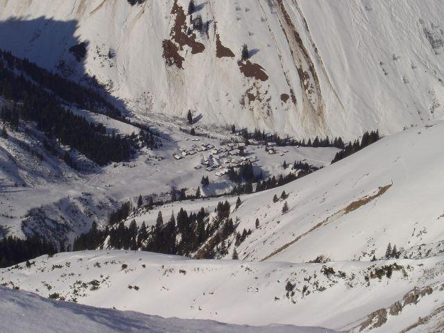 Foto: Manfred Karl / Ski Tour / Namloser Wetterspitze, 2553 m / Tiefblick zur Fallerscheinalpe / 28.03.2008 23:28:12