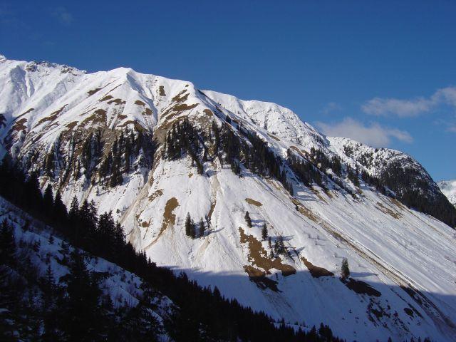Foto: Manfred Karl / Ski Tour / Namloser Wetterspitze, 2553 m / Für die Tour auf die Wetterspitze müssen die Verhältnisse wirklich passen! / 28.03.2008 23:23:48