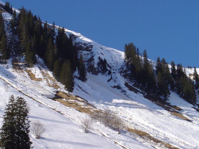 Foto: Manfred Karl / Ski Tour / Namloser Wetterspitze, 2553 m / Lawinenhänge auf Höhe der Fallerscheinalpe / 28.03.2008 23:18:56
