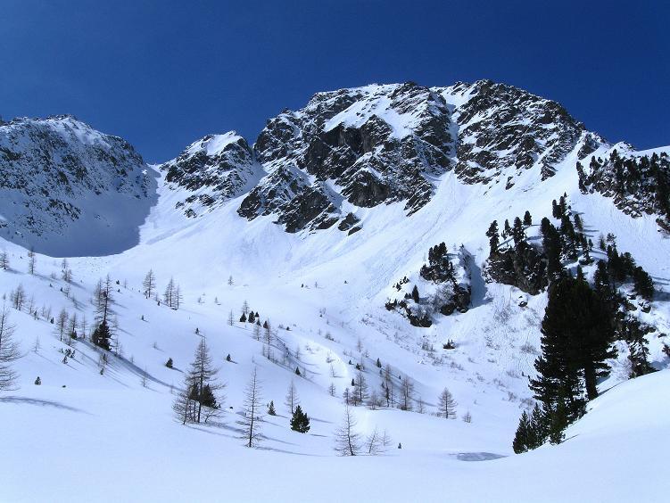 Foto: Andreas Koller / Ski Tour / Über die Zwieflerseen auf den Zinken (2191m) / Im oberen Kessel mit Arkogel (2441 m) / 31.03.2008 18:56:00
