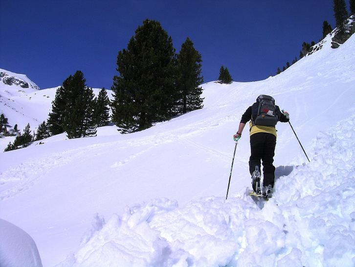 Foto: Andreas Koller / Ski Tour / Über die Zwieflerseen auf den Zinken (2191m) / Anstieg über Lawinenhänge / 31.03.2008 18:55:45