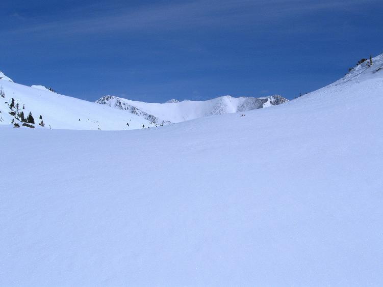 Foto: Andreas Koller / Ski Tour / Über die Zwieflerseen auf den Zinken (2191m) / Weite Hänge Richtung Zinken / 31.03.2008 18:49:37