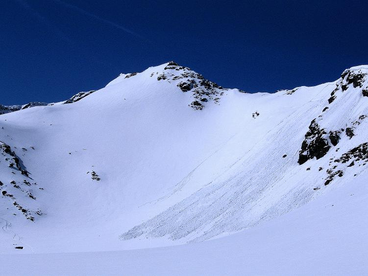 Foto: Andreas Koller / Ski Tour / Über die Zwieflerseen auf den Zinken (2191m) / Lawinengefährdete Hänge im oberen Bereich der Tour / 31.03.2008 18:44:10