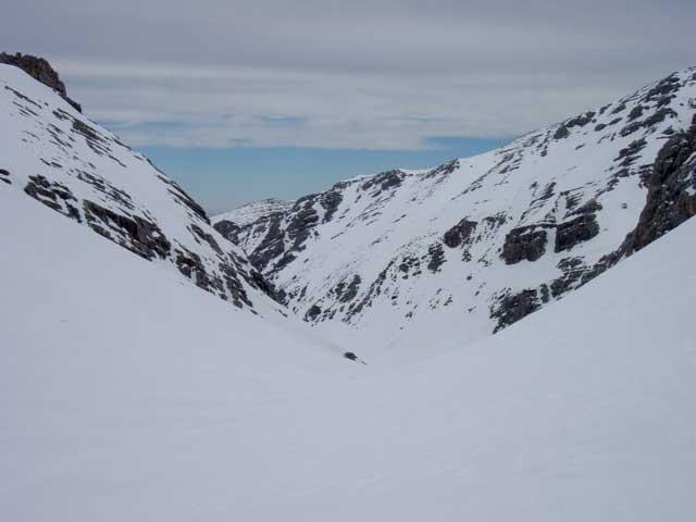 Foto: Grasberger Gerhard / Ski Tour / Warscheneck über Zellerschneise / Einfahrt in´s Loigistal / 30.04.2008 12:50:26