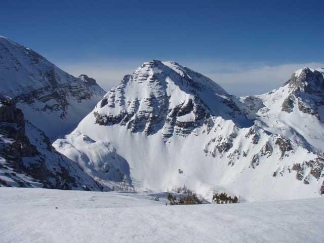 Foto: Grasberger Gerhard / Ski Tour / Warscheneck über Zellerschneise / Links das obere Loigistal mit der Abfahrtsvariante zum Schafferteich. / 30.04.2008 12:44:03