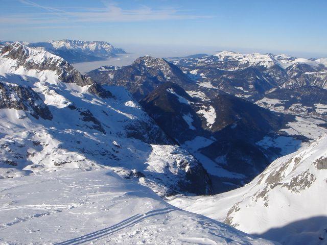 Foto: Manfred Karl / Ski Tour / Hochkarfelderkopf, 2219 m / Aussicht nach Norden gegen das Salzburger Becken / 04.04.2008 22:46:02