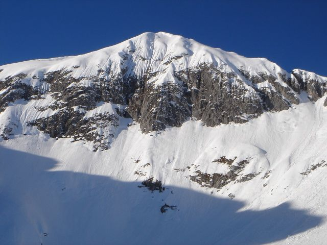 Foto: Manfred Karl / Ski Tour / Hochkarfelderkopf, 2219 m / Der Gipfel wird von links her erreicht. / 04.04.2008 22:45:30