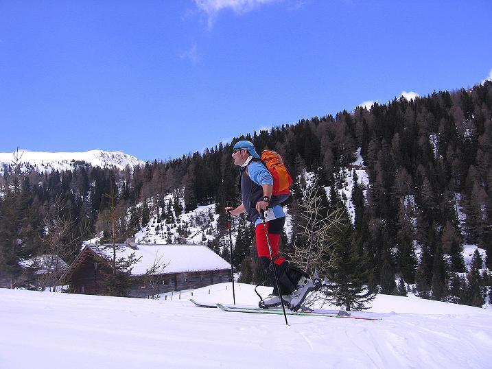 Foto: Andreas Koller / Ski Tour / Vom Bundschuh auf die Schwarzwand (2214 m) / Die Pfarralm / 06.04.2008 23:54:55
