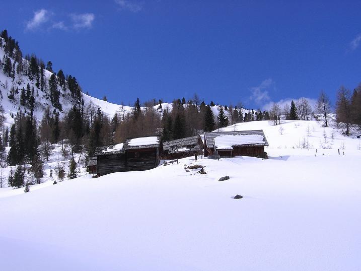 Foto: Andreas Koller / Ski Tour / Vom Bundschuh auf die Schwarzwand (2214 m) / Die Morawitzeralm / 06.04.2008 23:51:43