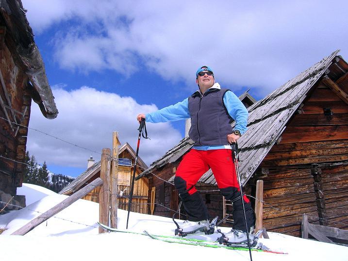 Foto: Andreas Koller / Ski Tour / Vom Bundschuh auf die Schwarzwand (2214 m) / Rast bei der Morawitzeralm / 06.04.2008 23:51:18