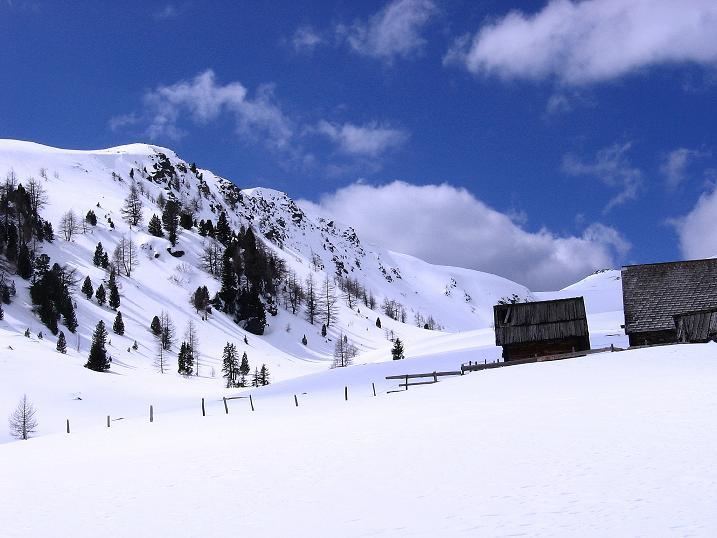 Foto: Andreas Koller / Ski Tour / Vom Bundschuh auf die Schwarzwand (2214 m) / Bei der Bruggeralm / 06.04.2008 23:47:34